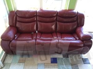 Кожаный диван-реклайнер 3-ка К-137.