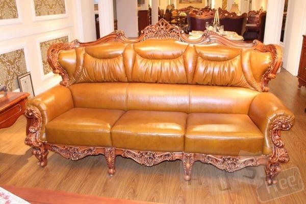 Кожаный диван 3-ка в классическом стиле