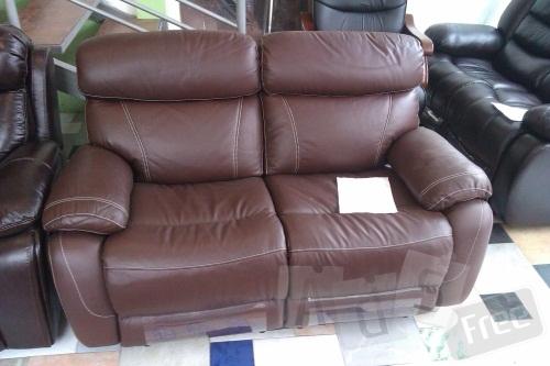 Кожаный диван-реклайнер 2-ка.