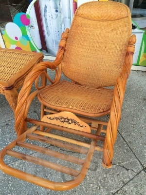 Кресло-качалка из ротанга RF-008