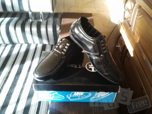 Туфли на мальчика чёрные классические.