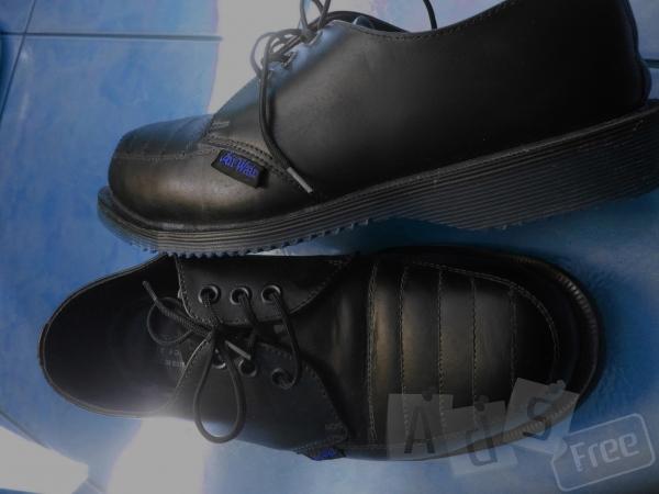 Продам Новые туфли Dr.Marteens
