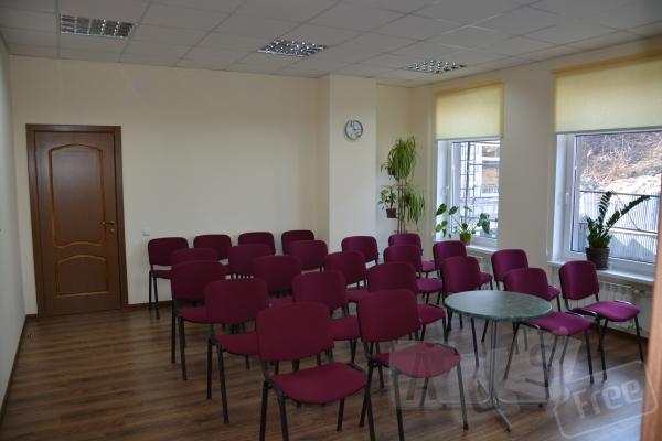 Конференц зал, мтр. Контрактовая пл.