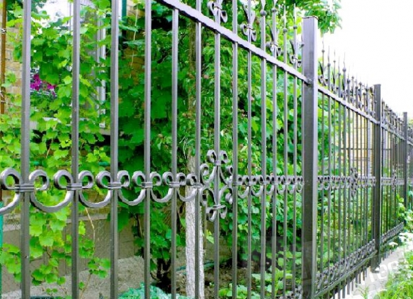Купить забор для дачи кованый
