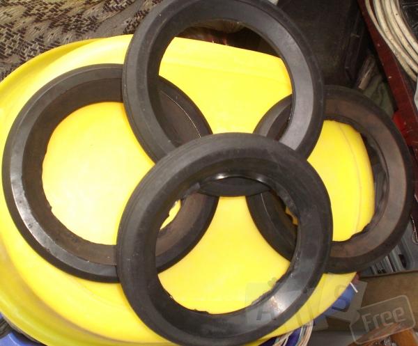 Продам резину на колеса для тачки