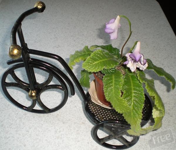Продам цветочницу