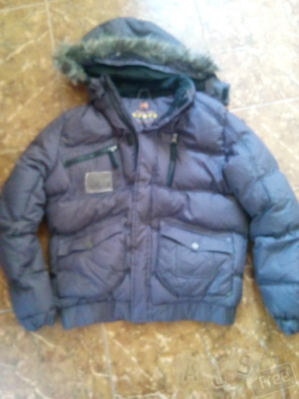 продам куртку для мальчика рост 164