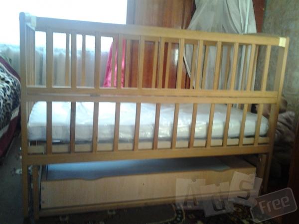 кроватка с шухлядой для одежды внизу