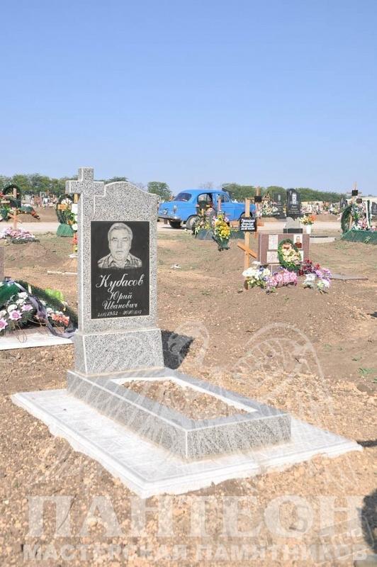 Памятники, ритуальные ограды на кладбище
