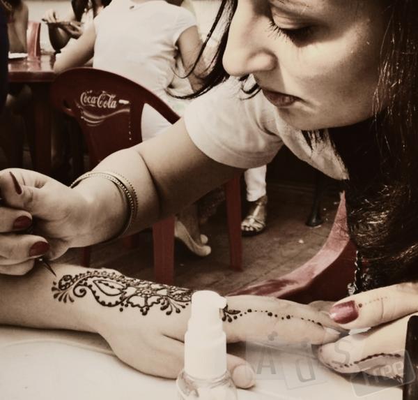 Мехенди - рисунки хной по телу