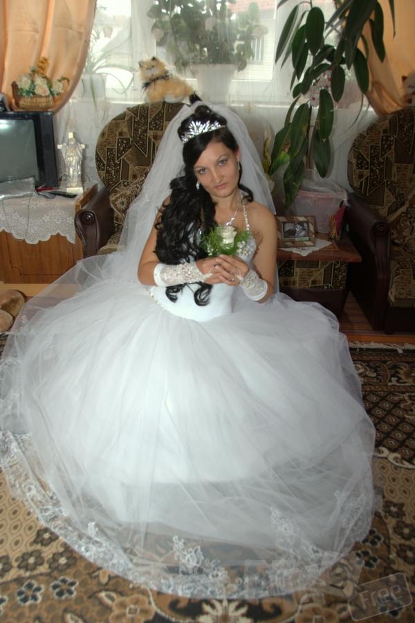 продам весільну сукню б/у
