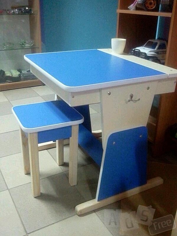 Детская парта-стол с пеналом. Акция