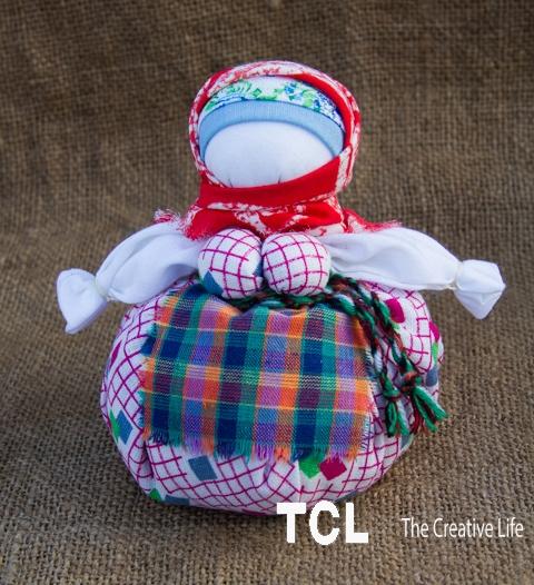 Народная обережная кукла Травница