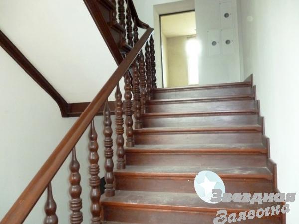 Cтоляр реставратор сходів - паркетa