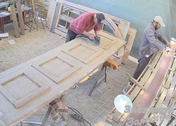 Cтоляр реставратор двері, сходів. Робота