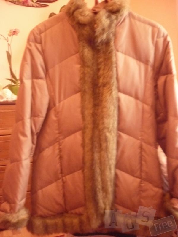 куртка осиння коричневого кольору