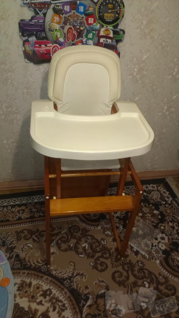 Детский стульчик -трансформер для кормле