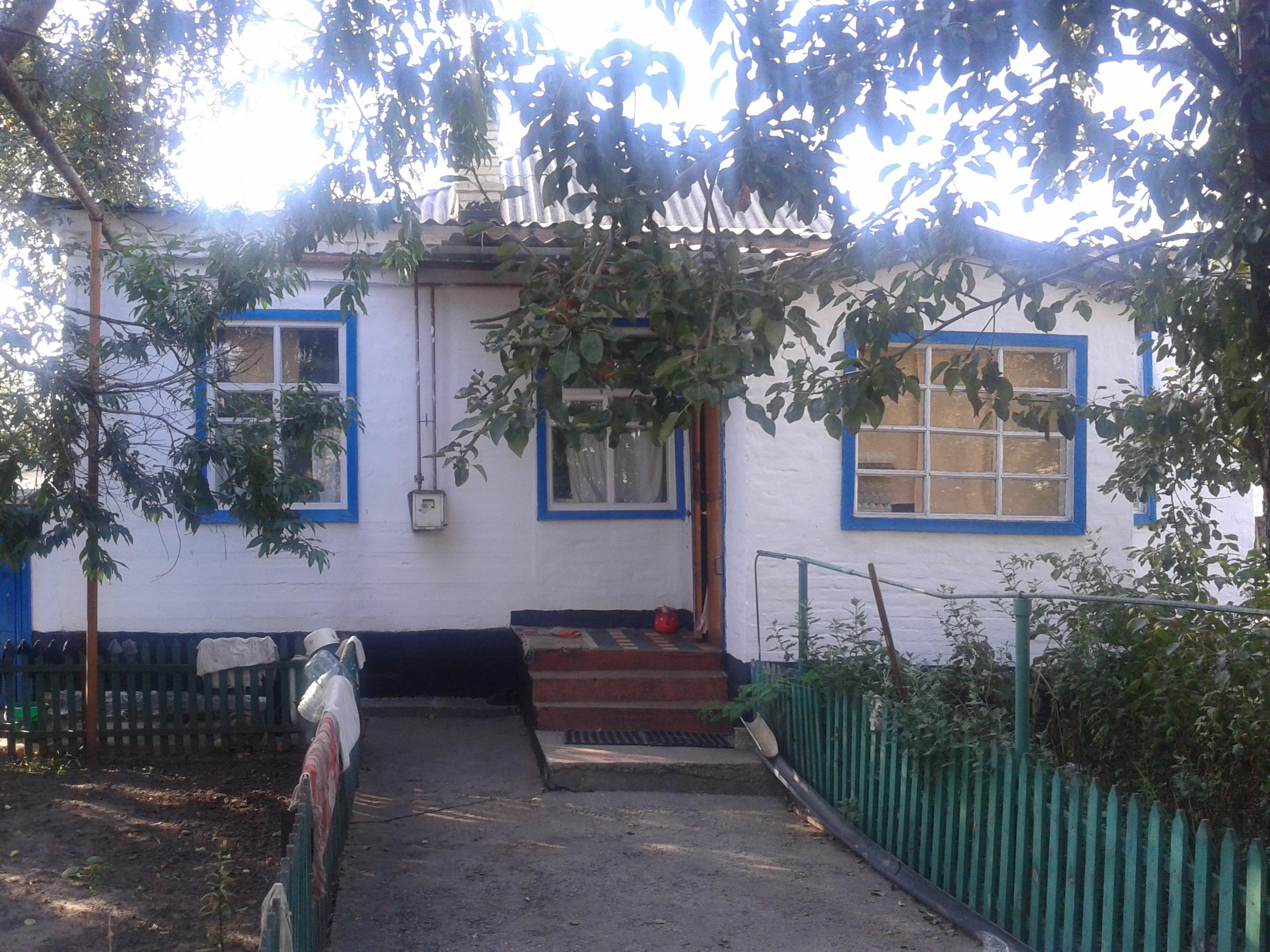 Добротный дом в пгт. Карнауховка