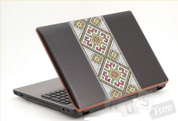 Наклейка-вишиванка на ноутбук