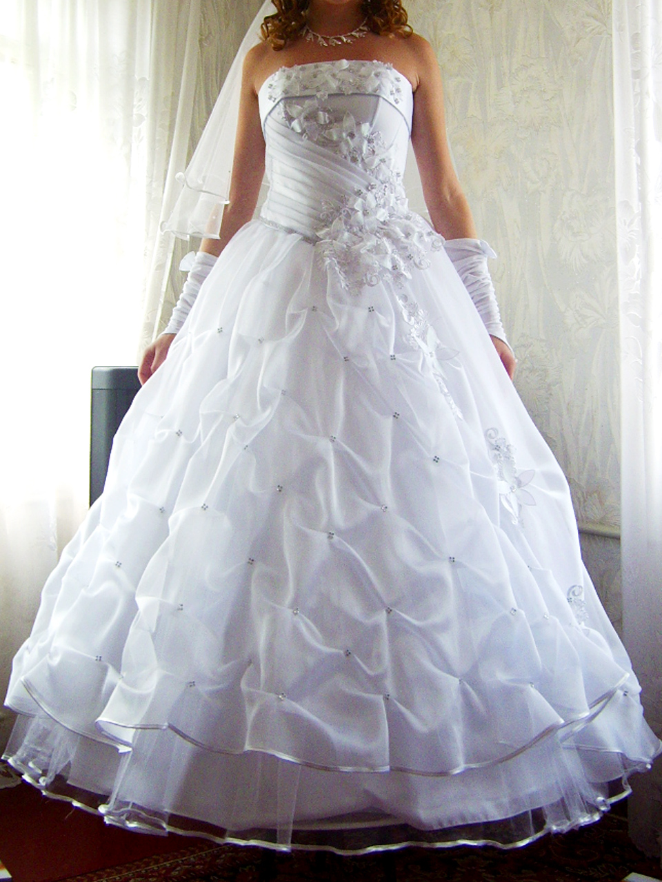 Красивое свадебное платье в отличном состоянии