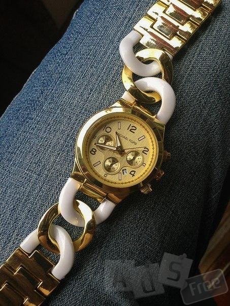 Стильний годинник