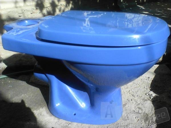 Продам унитаз и умывальник синего цвета