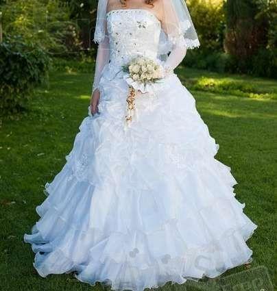Cвадебное платье и аксессуары