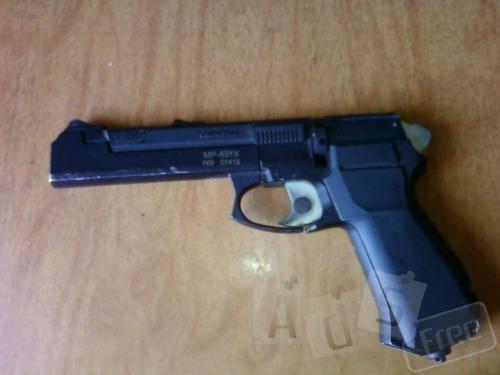 пневматический пистолет Байкал