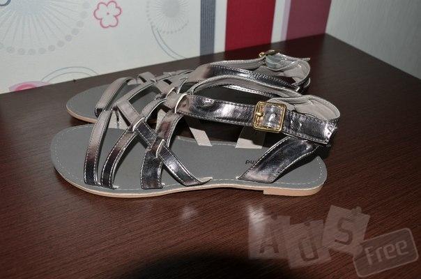 Фирменные сандали