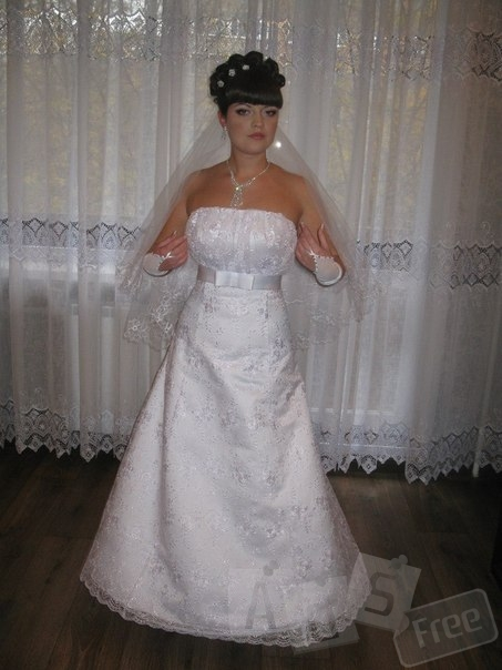 Свадебные прически, плетение кос