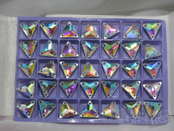 Стразы Crystal AB.Треугольники пришивные