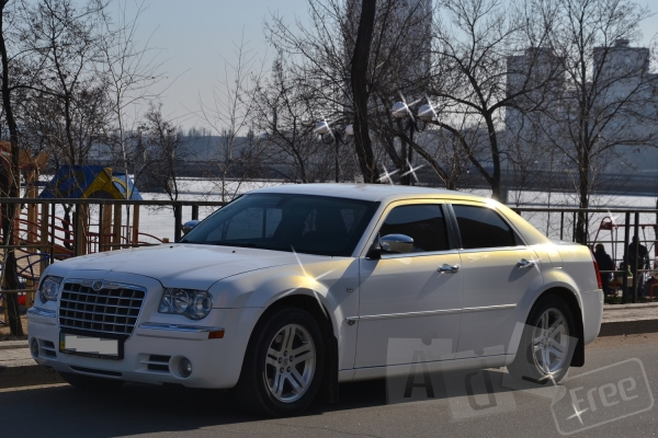 Аренда  Chrysler 300C